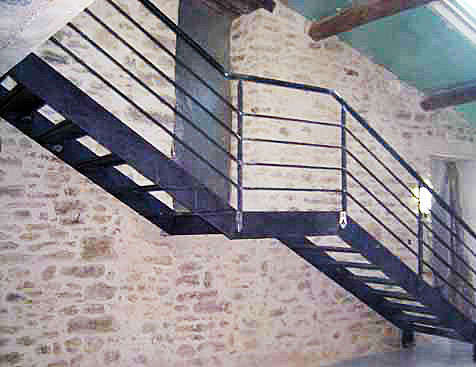 Multi steel conceptions m talliques sur mesure for Escalier avec palier intermediaire