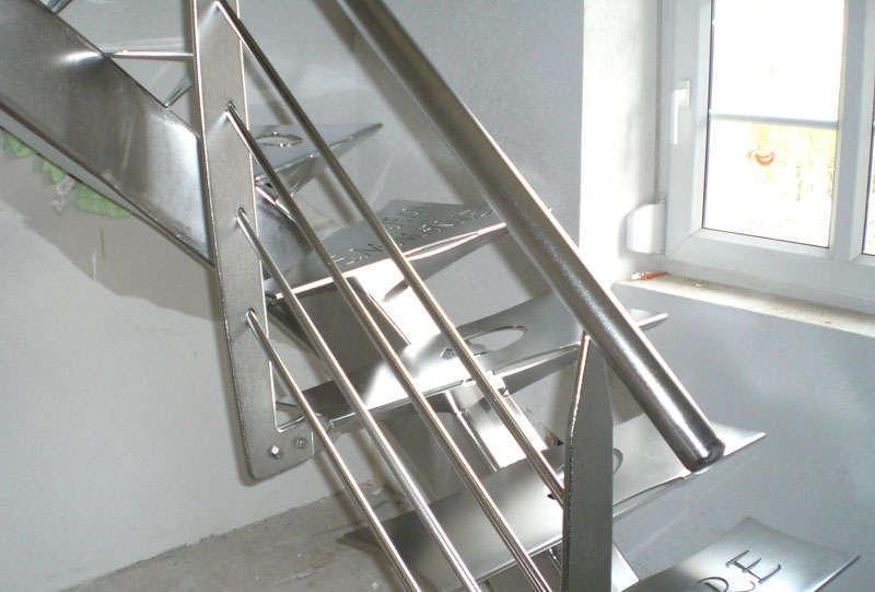 prix d un escalier sur mesure affordable luescalier gc un. Black Bedroom Furniture Sets. Home Design Ideas